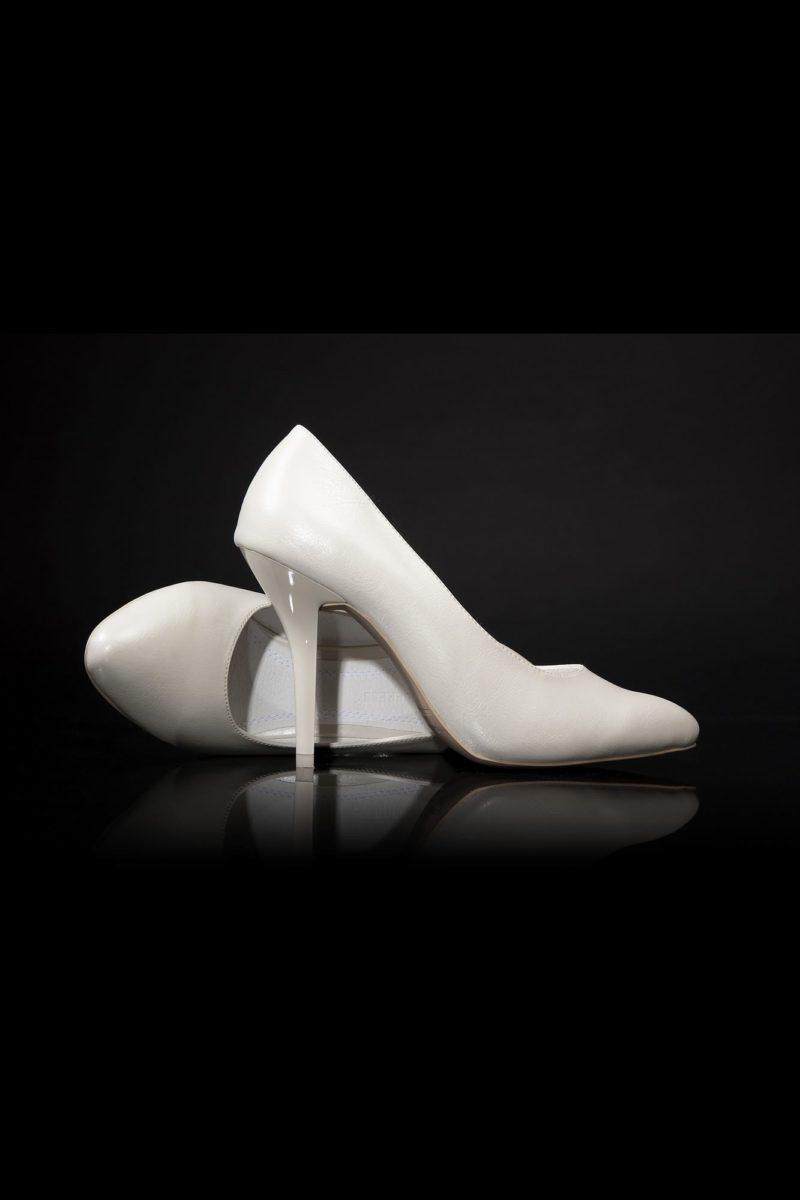 Туфли кожаные в сдержанном стиле