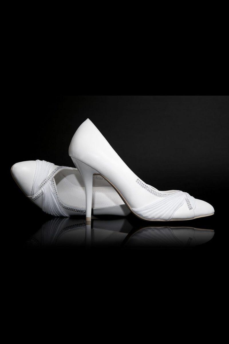 Туфли кожаные с бисерным декором и драпировками на носке