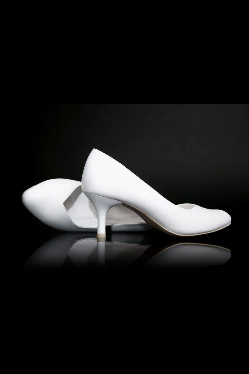 Туфли кожаные с V-образным вырезом