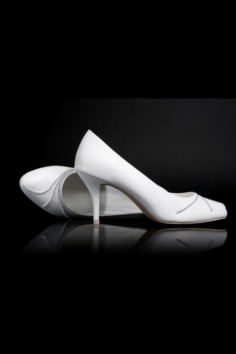 Туфли кожаные с элегантным бисерным узором
