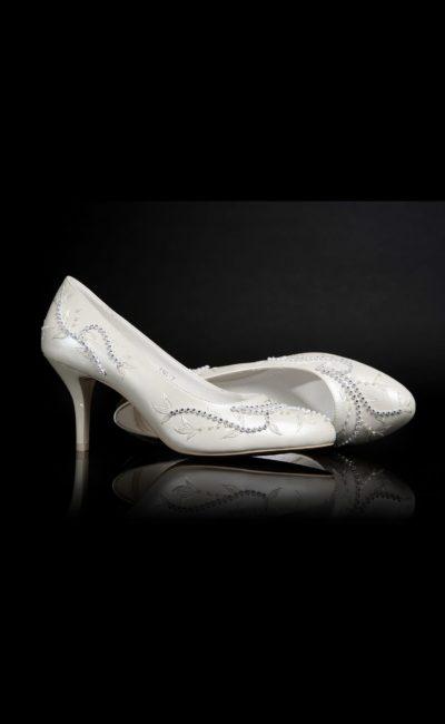 Туфли кожаные с вышивкой нитью и бисером