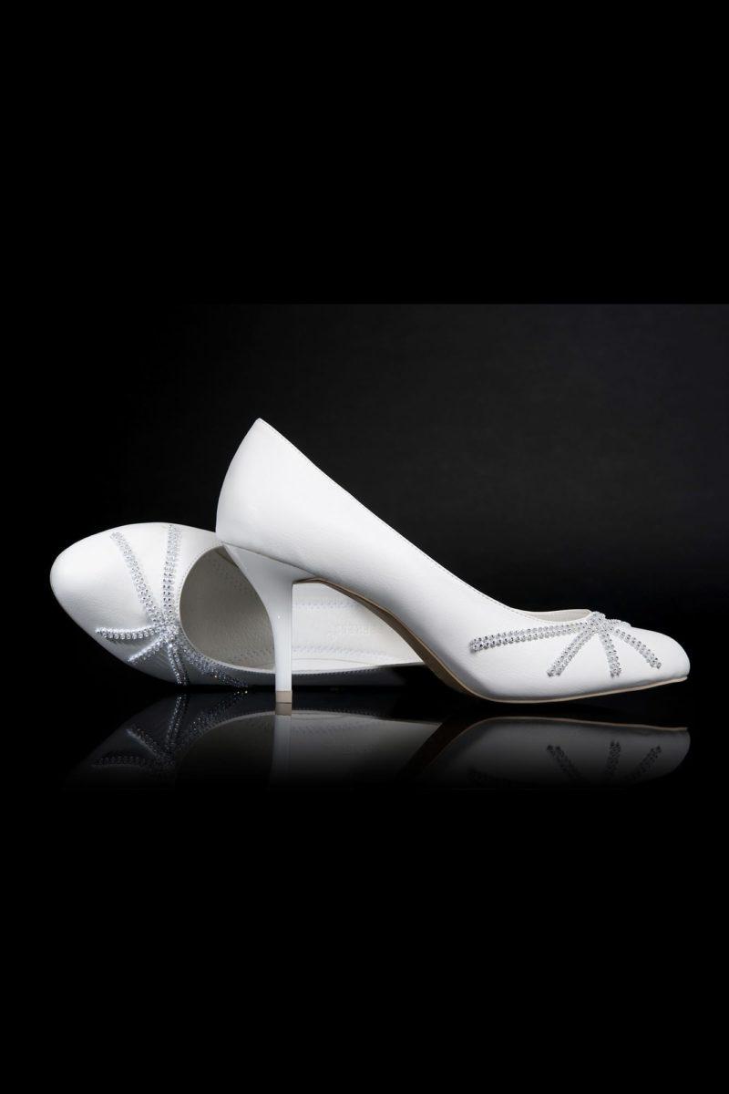 Туфли кожаные с бисерным узором на носке