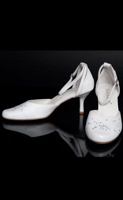 свадебные белые босоножки