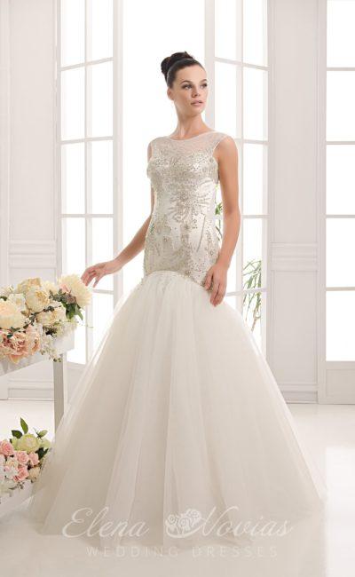 Роскошное свадебное платье «русалка» с атласным корсетом, декорированным бисерной вышивкой.