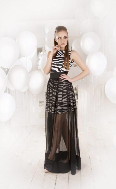 Необычное вечернее платье с принтом и полупрозрачной черной юбкой длины «макси».