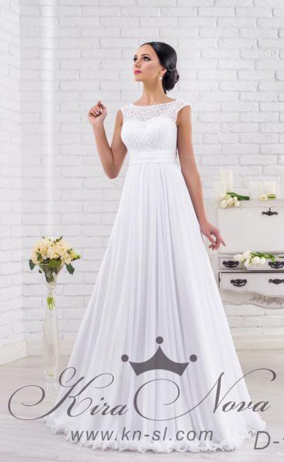 Закрытое свадебное платье с юбкой прямого кроя и притягательным вырезом на спинке.