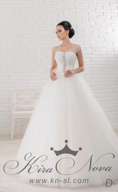 Свадебное платье с лаконичной пышной юбкой и бисерной вышивкой по облегающему корсету.