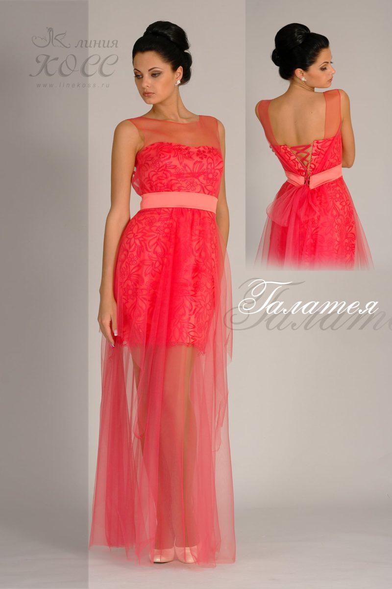 Вечернее платье с полупрозрачной юбкой и открытой спинкой.