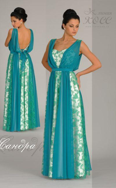 Прямое вечернее платье с тонкой тканью в качестве отделки.