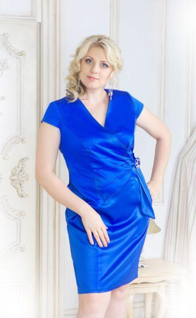 Синее вечернее платье «футляр»