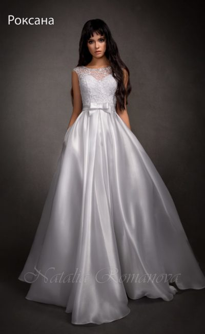 свадебное платье с сияющей юбкой