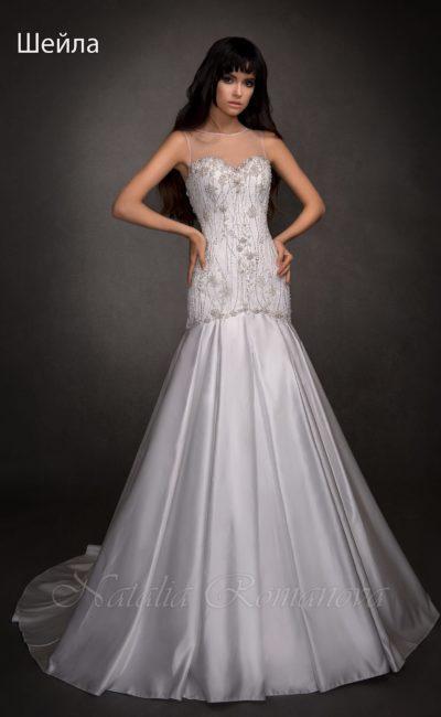 Атласное свадебное платье с заниженной линией