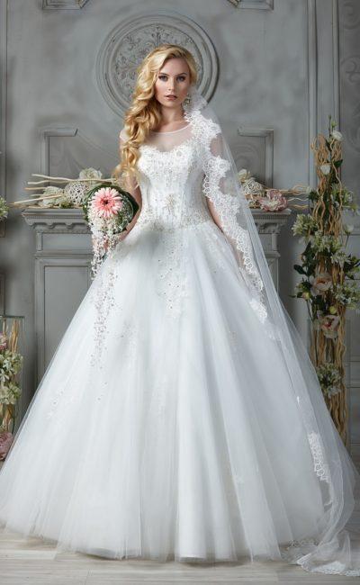 свадебное платье с объемным низом