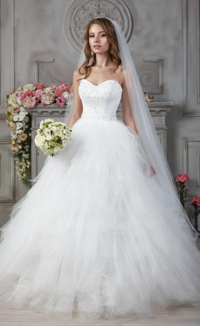 свадебное платье с вышивкой на корсете