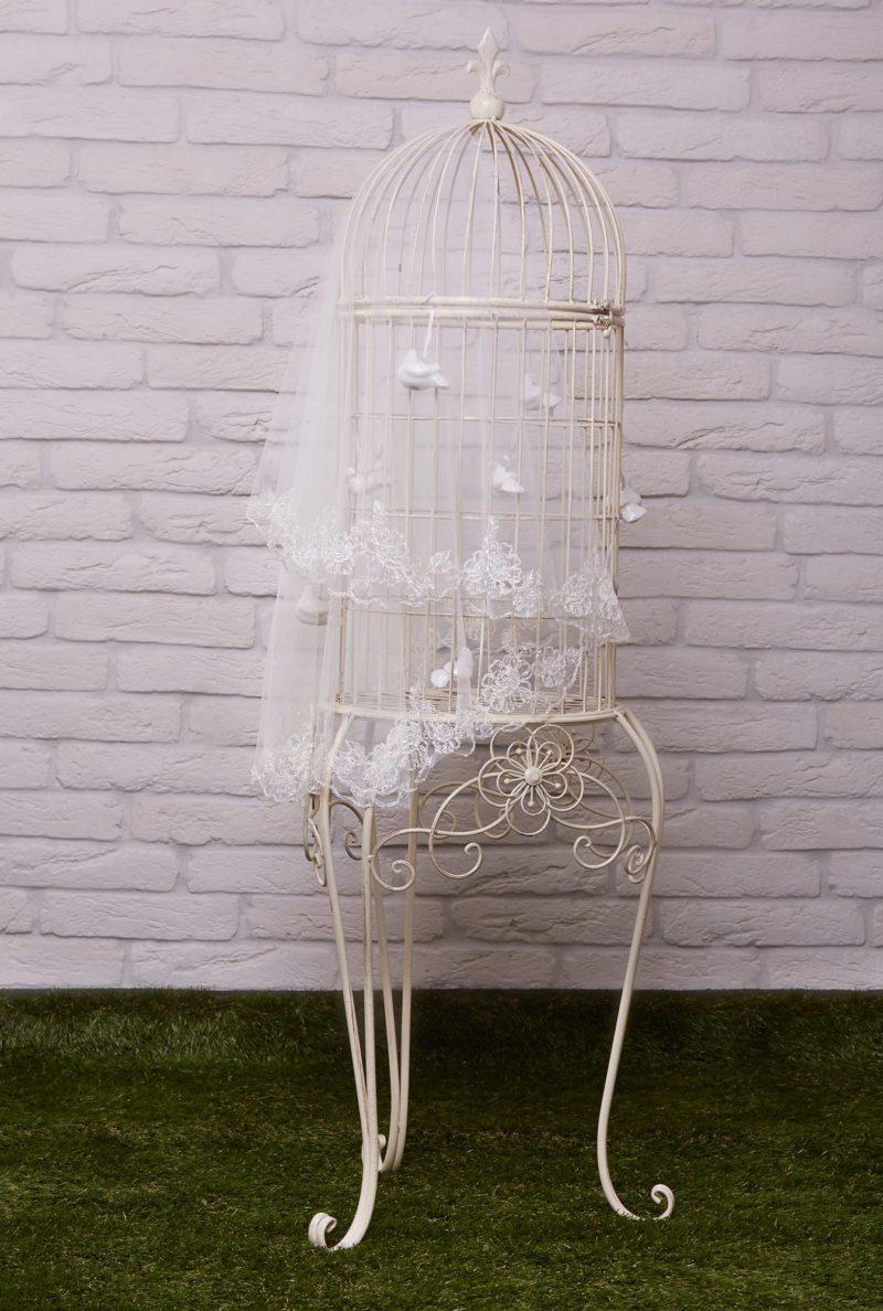 Короткая белая свадебная фата