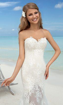 Кружевное свадебное платье «русалка» с прозрачной юбкой с длинным шлейфом.