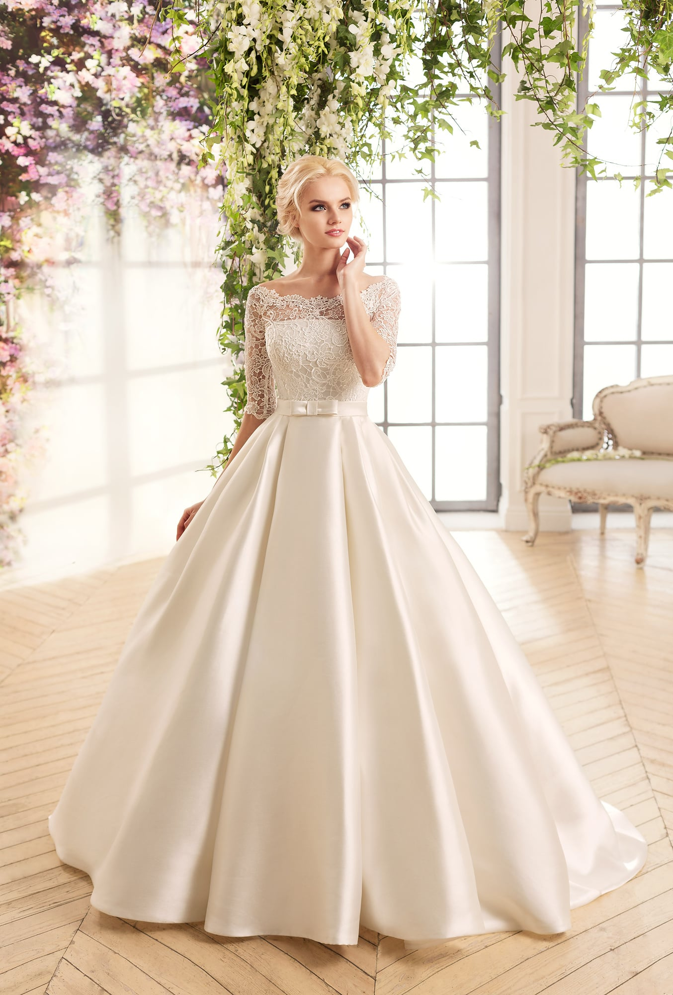 b9fdfdd347b Свадебное платье Naviblue Bridal 15013 ▷ Свадебный Торговый Центр ...