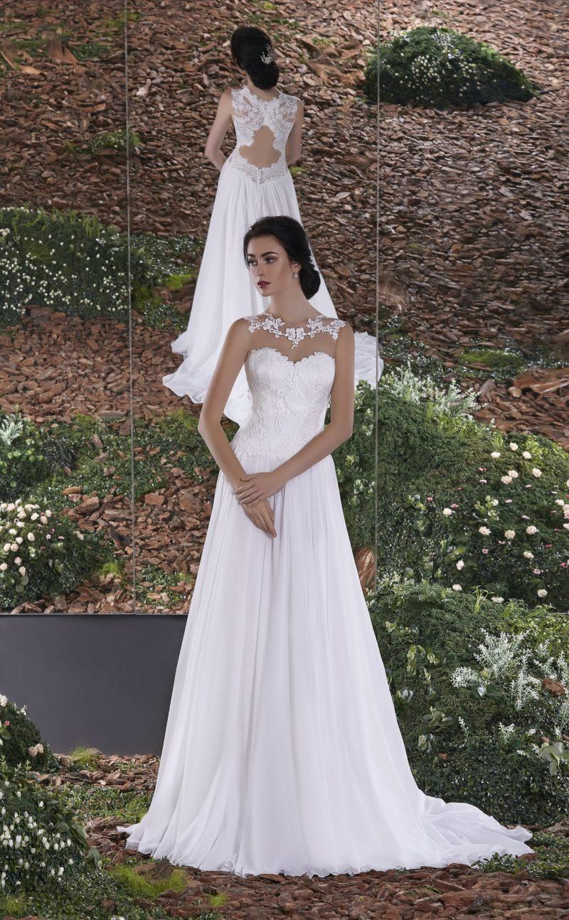 Утонченное свадебное платье с лифом в форме сердца и притягательной открытой спинкой.