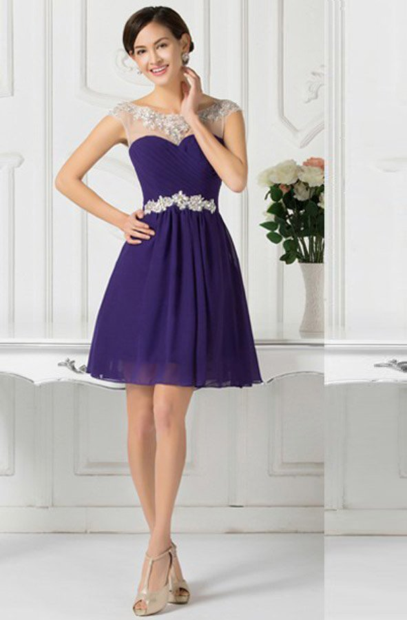 c70ea659397 Короткое вечернее платье фиолетового цвета с серебристым бисерным поясом.