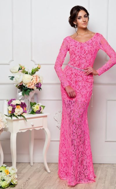 Стильное розовое платье