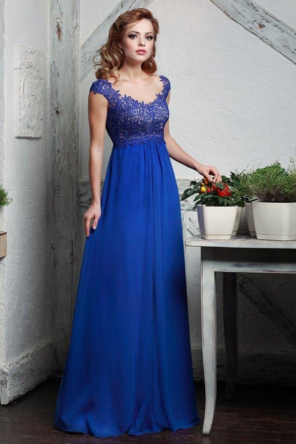 Ампирное вечернее платье с кружевным лифом и коротким рукавом.