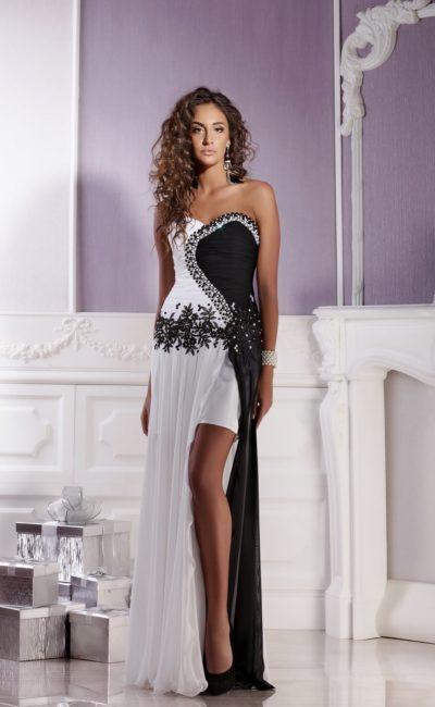 Оригинальное черно-белое вечернее платье  с длинной верхней юбкой и вышивкой по корсету.