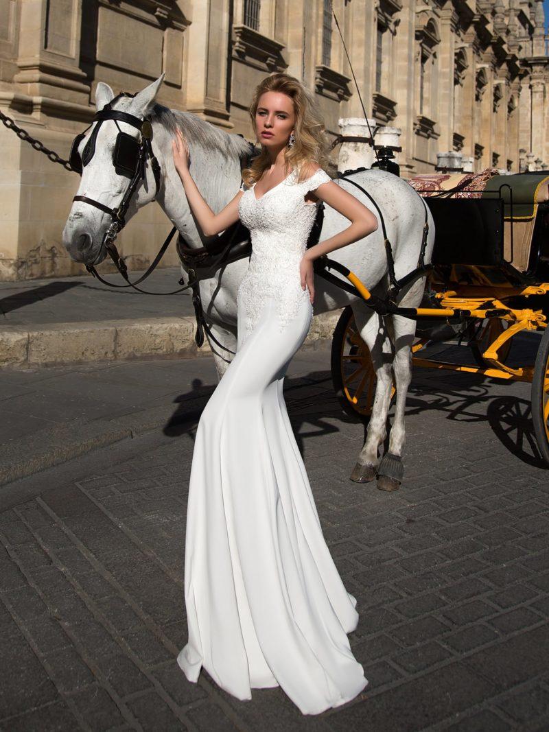 Свадебное платье «русалка» с оригинальными двойными бретелями и вырезом на спине.