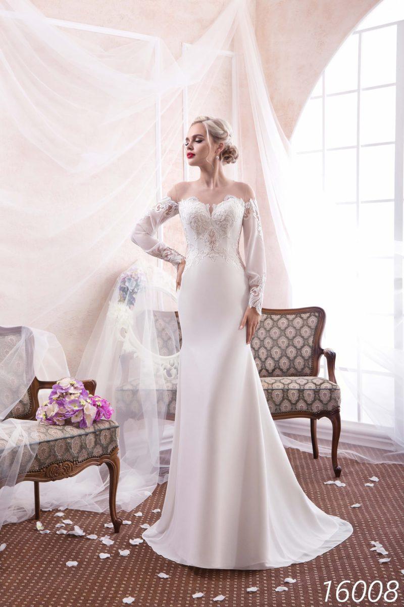 Свадебное платье «русалка» с фигурным портретным декольте и рукавами широкого кроя.