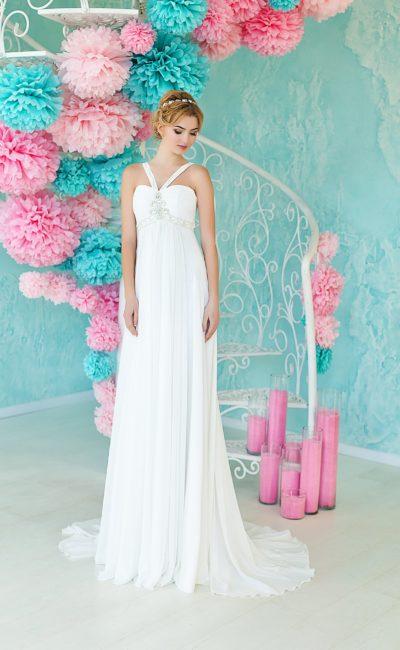 Открытое свадебное платье в ампирном стиле с оригинальными бретельками над лифом.
