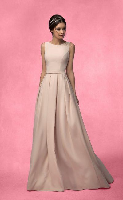 Прямое свадебное платье в «пол»