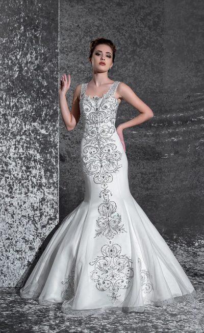 Потрясающее свадебное платье с чувственным кроем «русалка» и шикарной бисерной вышивкой.