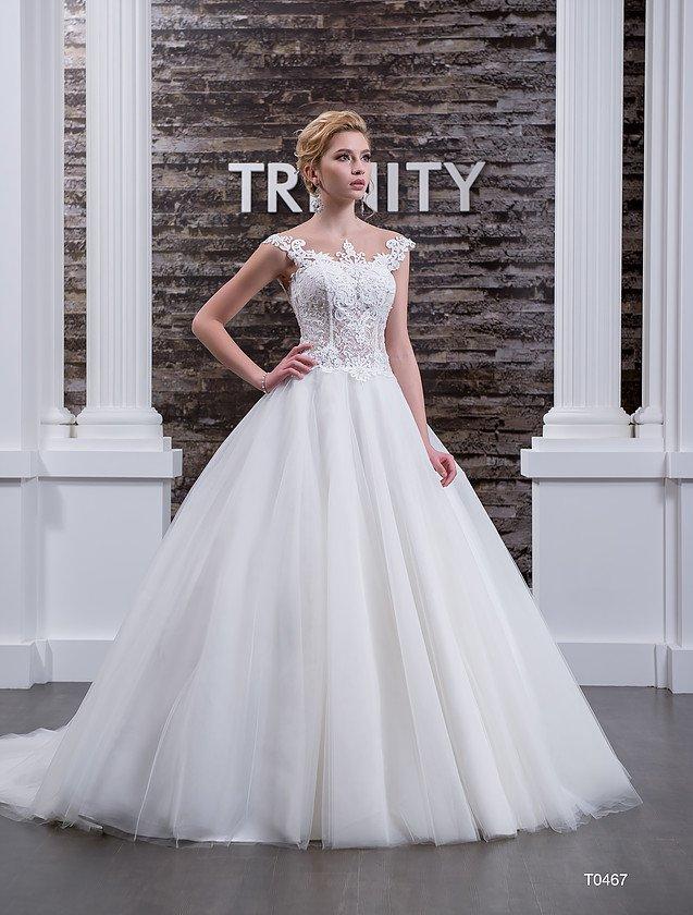 Свадебное платье с роскошной открытой спинкой и кружевным декором по корсету.