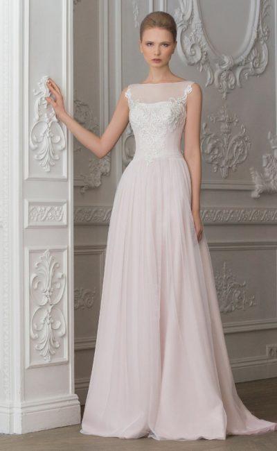 Изысканное свадебное платье с кружевным лифом и вырезом на спинке.