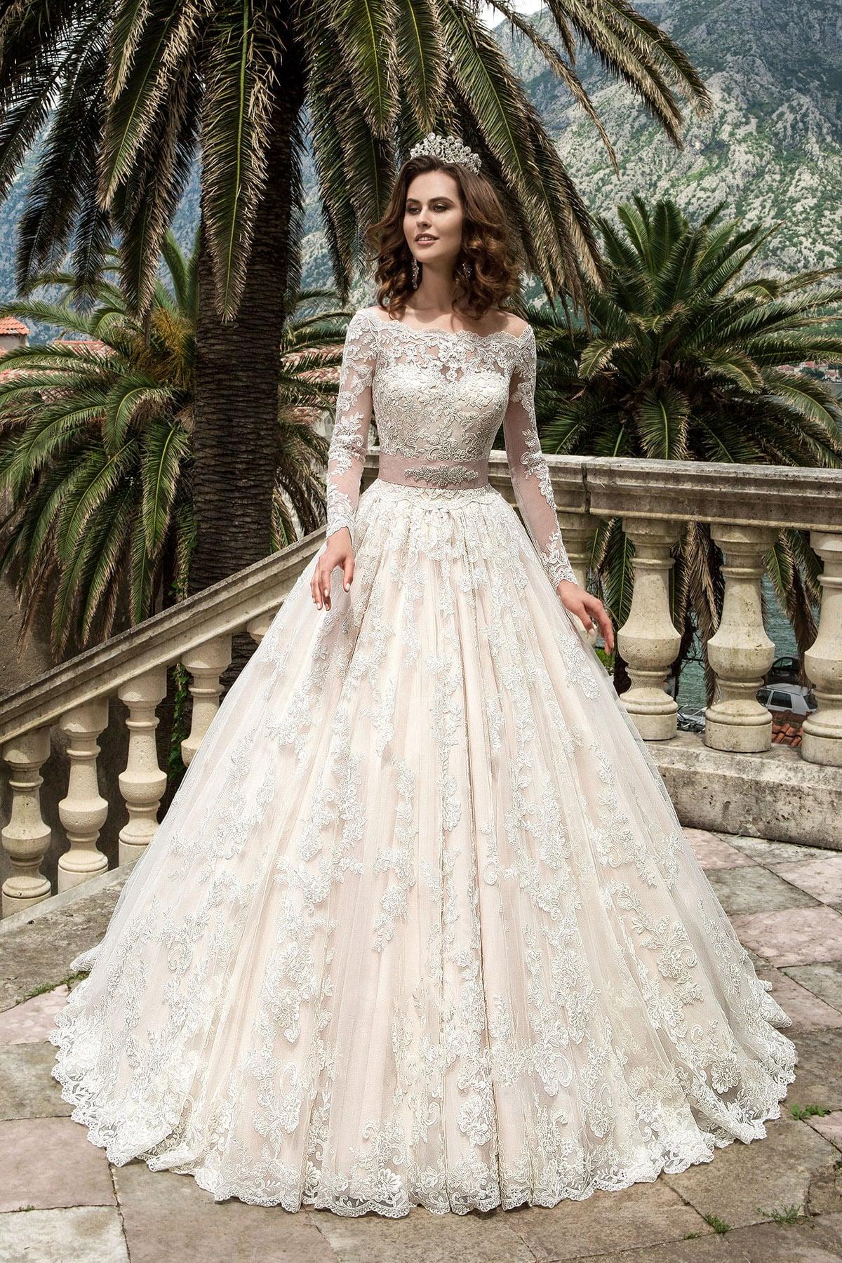 40f1d2424b3 Свадебное платье Lussano Bridal Marcella 16007 ▷ Свадебный Торговый ...