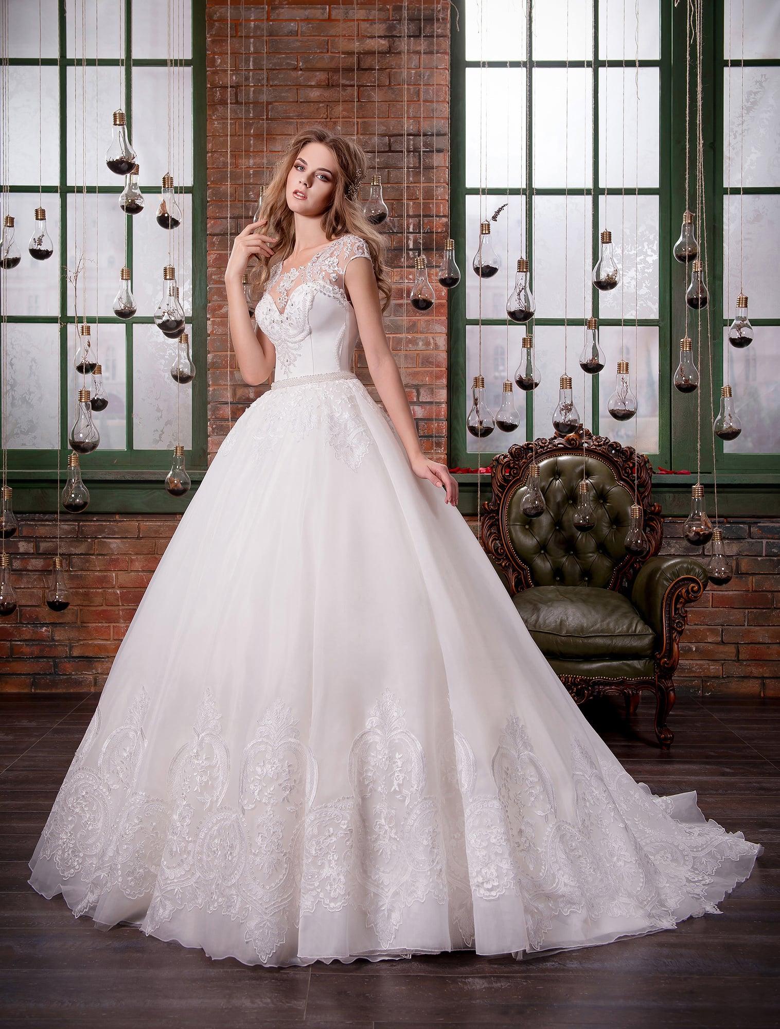 dea50a10105 Свадебное платье Pentelei 1403 ▷ Свадебный Торговый Центр Вега в Москве