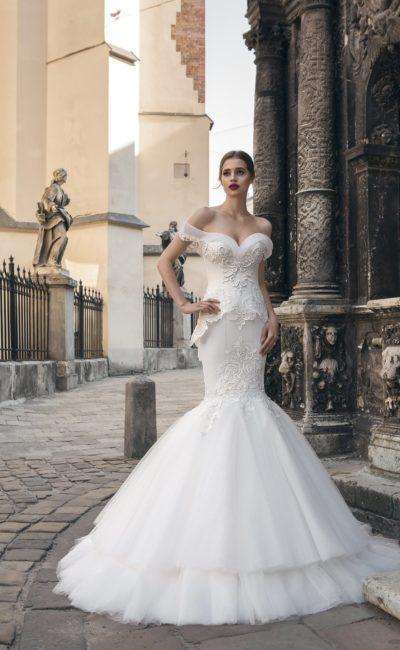 Красивое свадебное платье русалка с отрытыми плечами