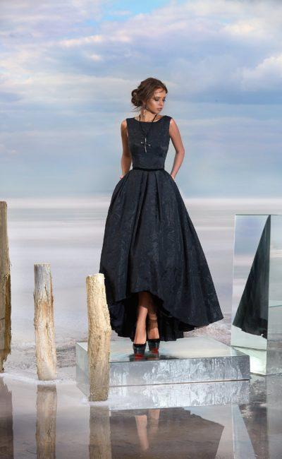 Короткое спереди черное платье