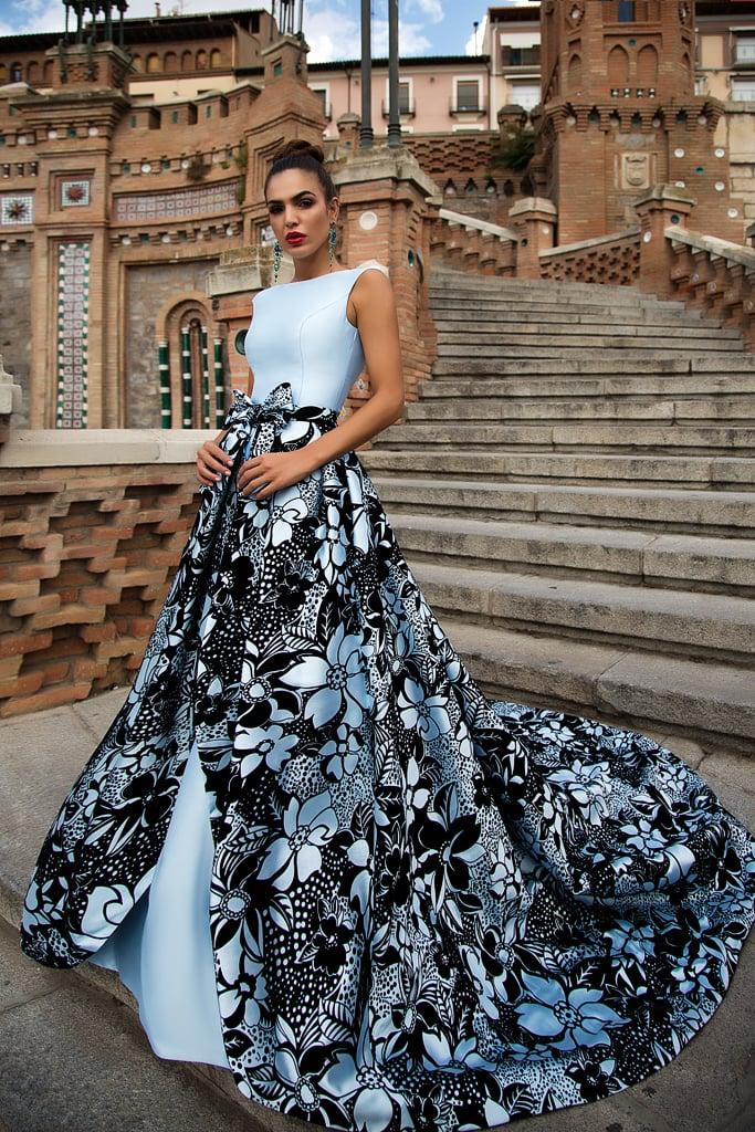 Вечернее платье с шлейфом