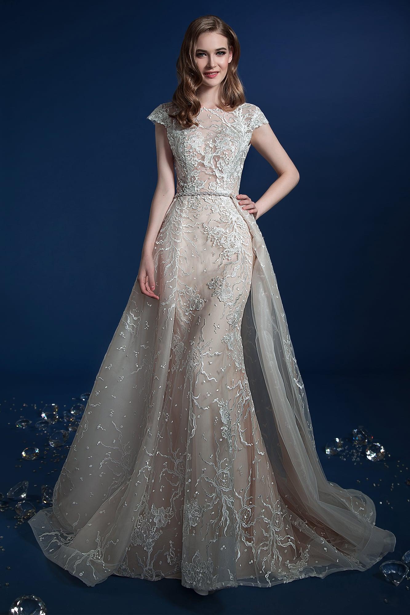 cfa625963c4a67 Бежевое свадебное платье-трансформер с кружевным декором и верхней юбкой.