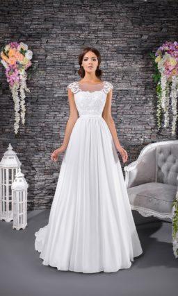 Атласное свадебное платье с тонкой спинкой с кружевом и закрытым лифом.