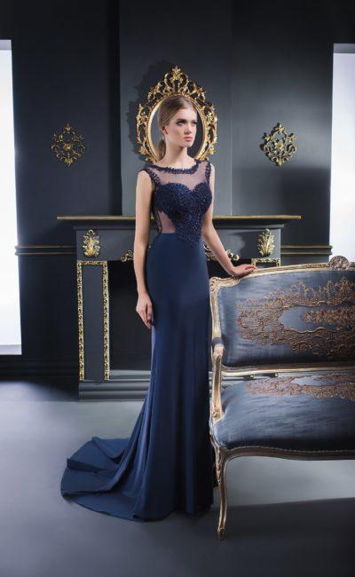 Синее вечернее платье с коротким шлейфом и полупрозрачной спинкой.