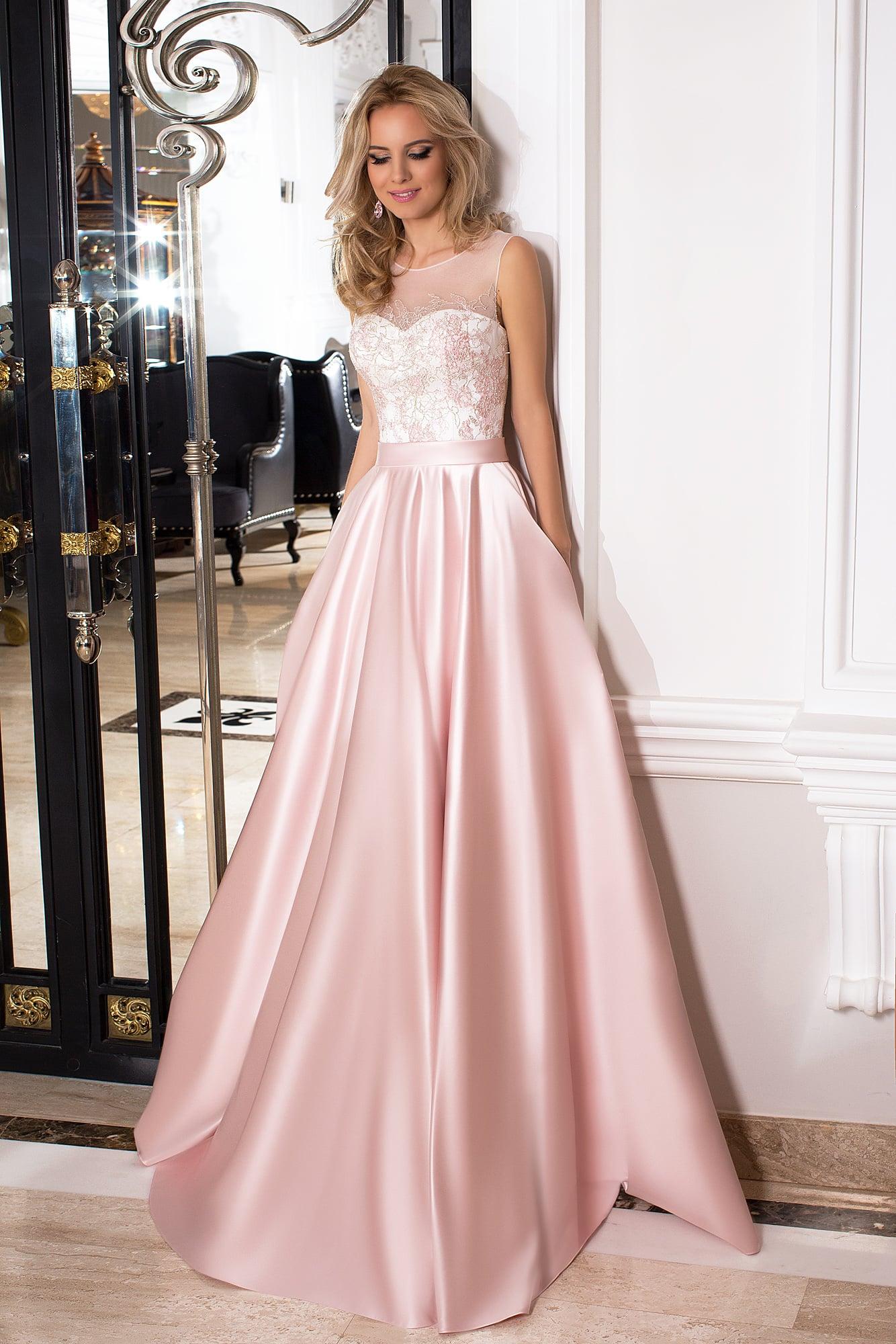 34bde3387f3 Пышное вечернее платье оттенка розового кварца с закрытым полупрозрачным  верхом.