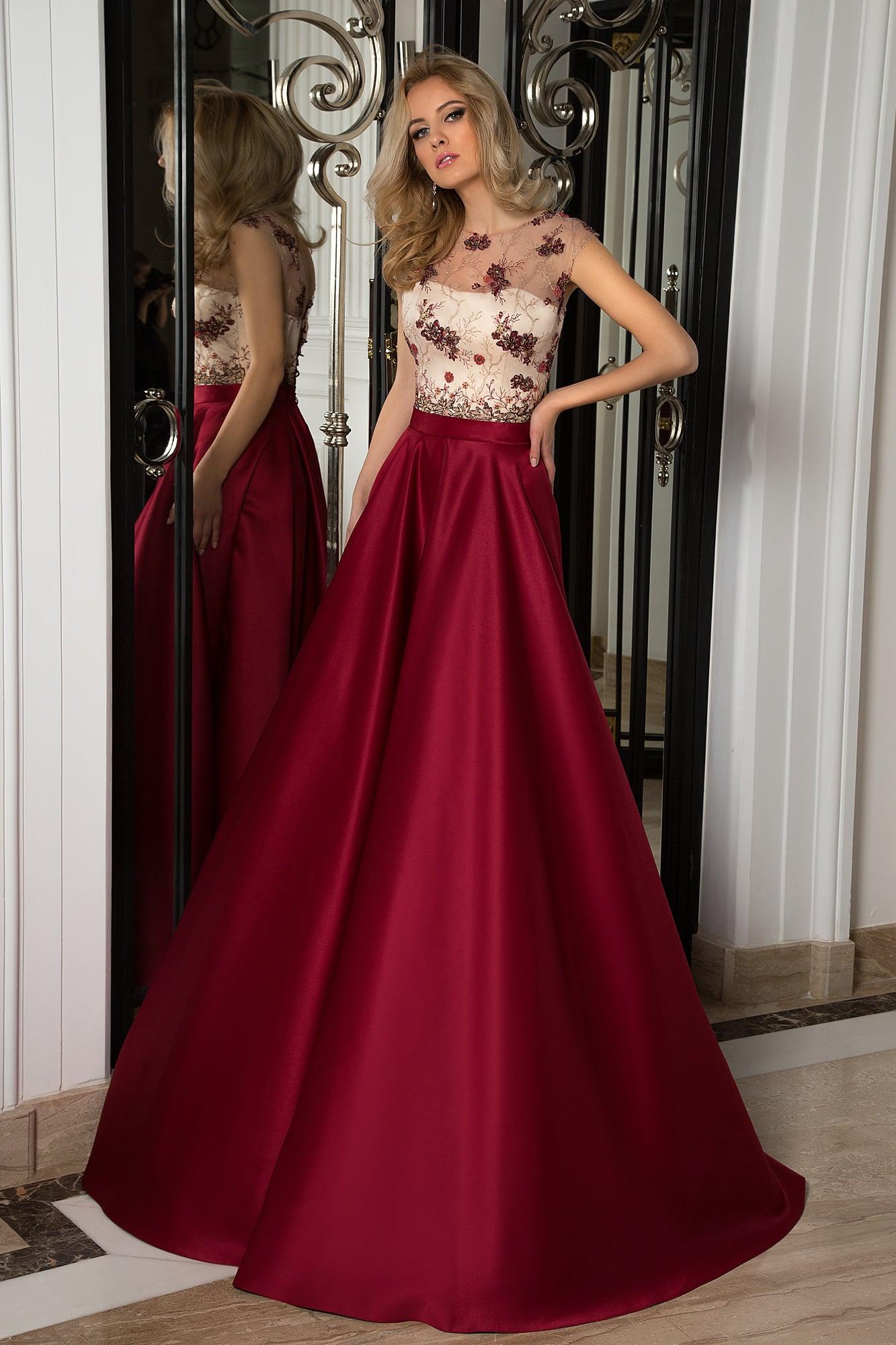 841f2664d69 Роскошное вечернее платье с бордовым низом и белым корсетом под цветным  кружевом.