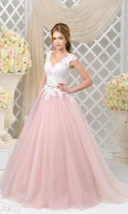 Пышное свадебное платье нежно-розового оттенка