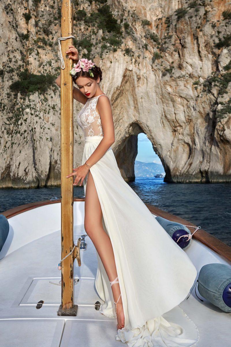 Прямое летнее свадебное платье