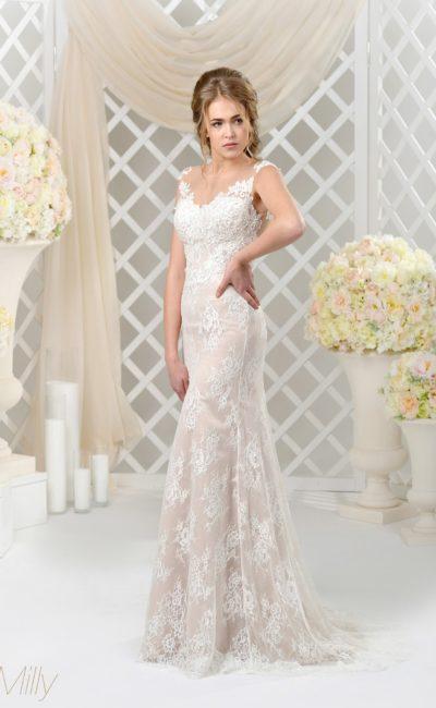 Бежевое свадебное платье с кружевным декором и лаконичным прямым кроем.