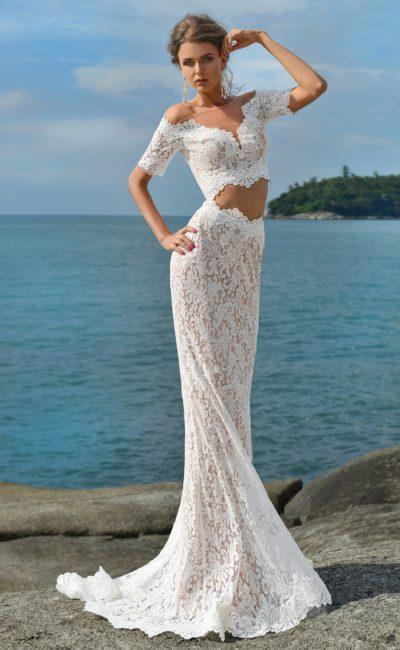 Кружевное свадебное платье «русалка» с укороченным топом и коротким рукавом.