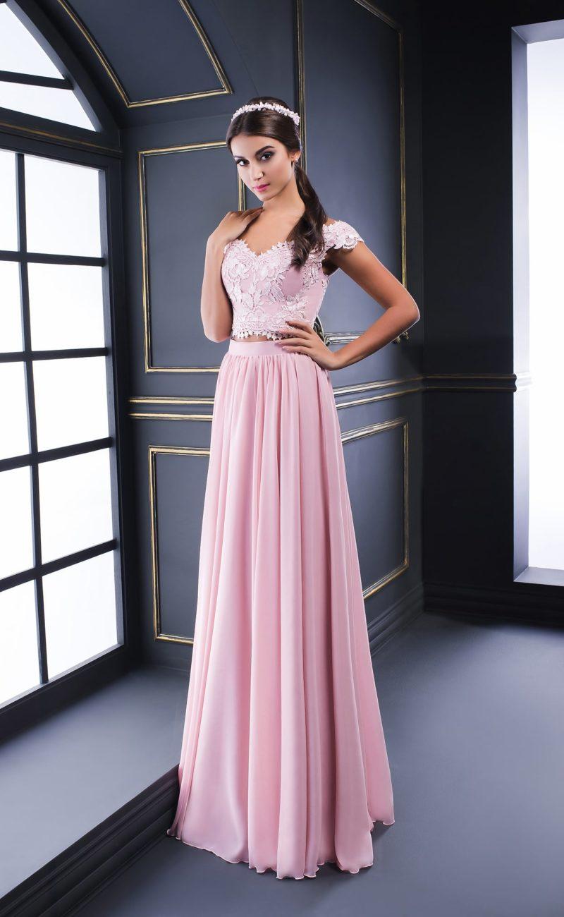 083eb316778 ... в которых на пике популярности находятся раздельные платья. Облегающий  кроп-топ и элегантная юбка-годе или прямой крой со шлейфом – и Вы  превращаетесь ...