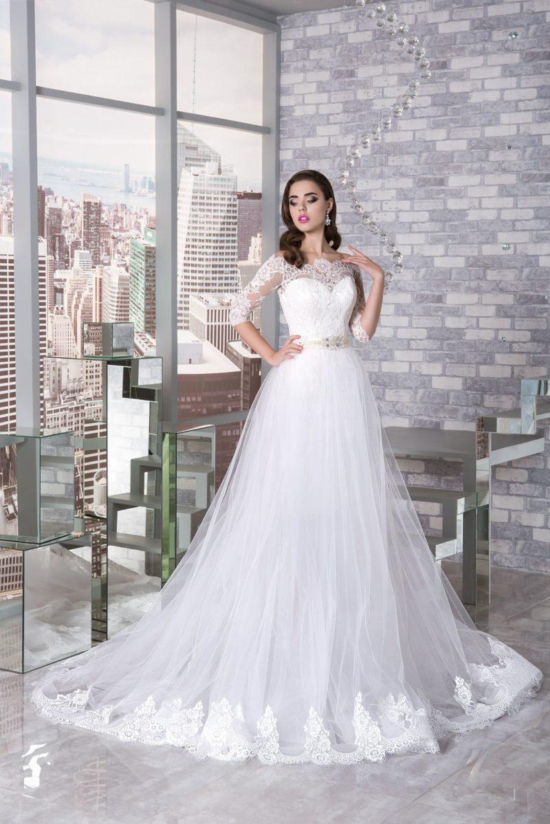 Роскошное свадебное платье-трансформер с тюльмариновой верхней юбкой.