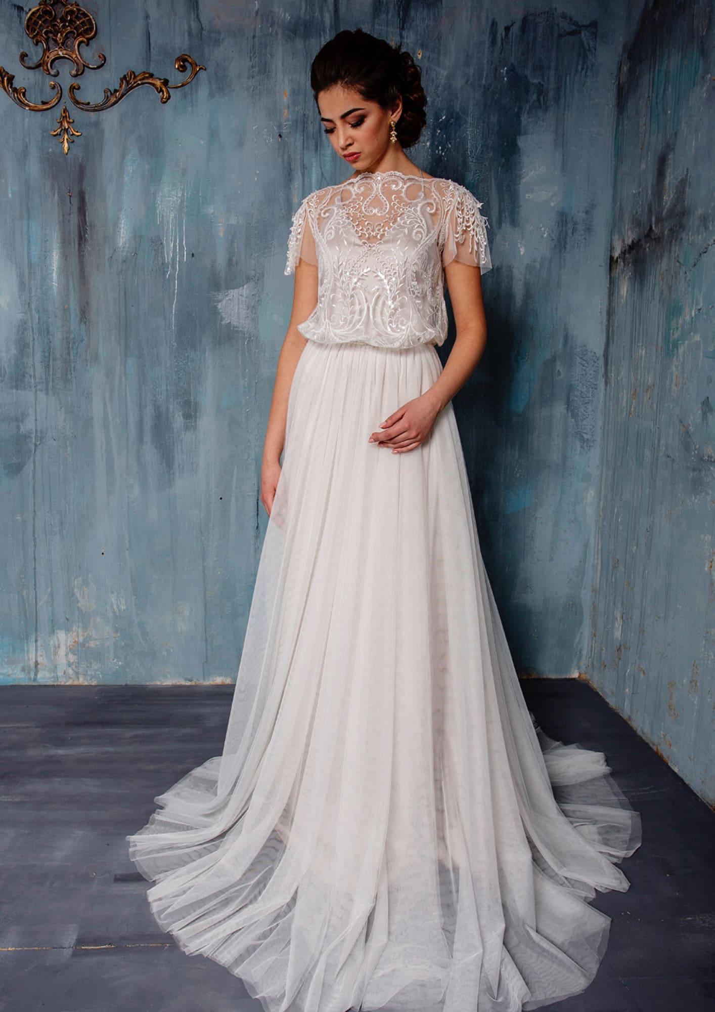 6b3dffd64b54748 Оригинальное свадебное платье «принцесса» с просторным кроем лифа с  вышивкой.